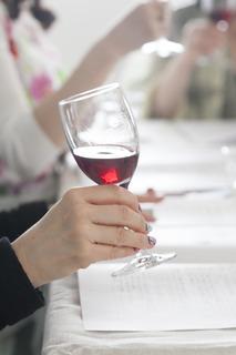 ワインとグラス.jpg